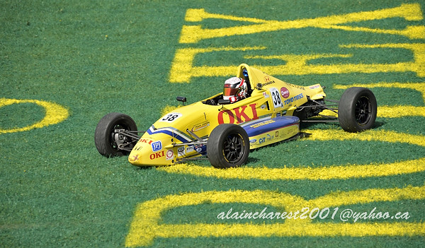 F1600 out of track